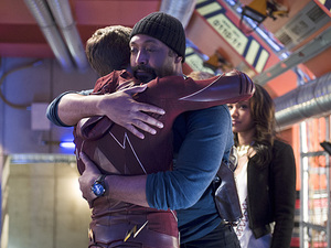 Grant Gustin as Barry Allen, Jesse L. Martin as Detective Joe West and Candice Patton as Iris West in The Flash S01E23: 'Fast Enough'