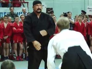 Steven Seagal gives a martial arts masterclass