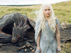 Emilia Clarke as Daenerys Targaryen in Game of Thrones S05E10