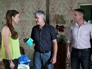 Orla issues a warning to Wayne