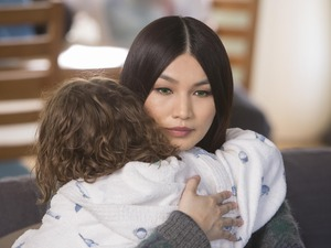 Anita (Gemma Chan) hugs Sophie (Pixie Davies) in Humans S1E07