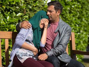 Masood comforts Shabnam outside of the hospital