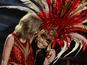 Taylor Swift and Nicki Minaj duet at VMAs