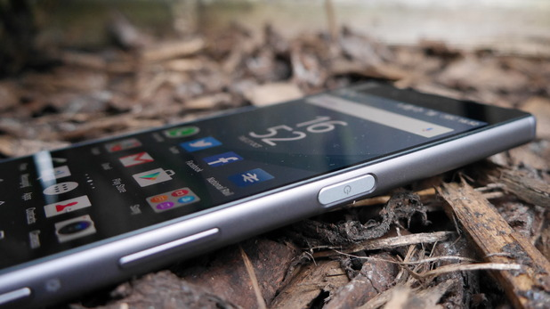 Sony Xperia Z5 review: James Bond's phone features the ...